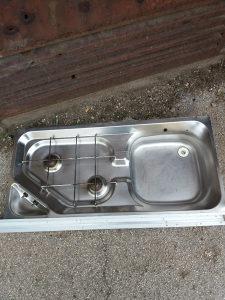 Lim sudopera sa dva plinska kuhala