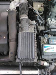 Peugeot pezo 406 kuciste filtera zraka