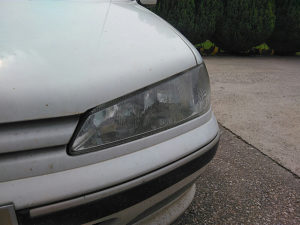 Peugeot pezo 406 far lijevi