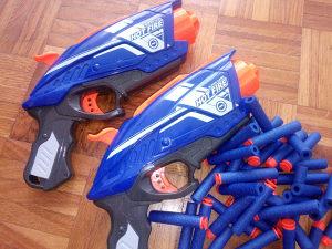 Igracka pistolji s metcima