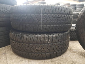 Prodajem 4 gume 235 60 18 Pirelli