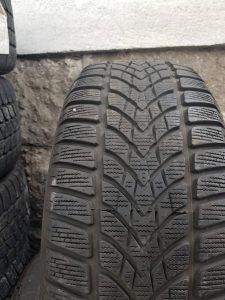 Prodajem 2 gume 215 55 16 Dunlop 2014