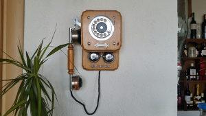 Starine antikviteti telefon.zidni drveni