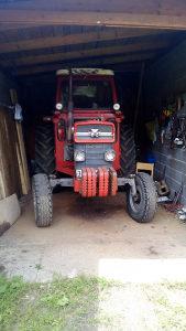 Traktor mase ferguson 185