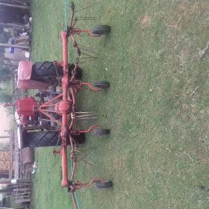 Rastresac trave sijena