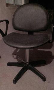 Stolica  za frizerski salon