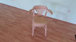 Stolice nove