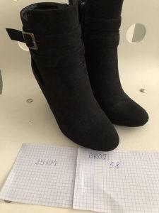 Zenske crne cizme gleznjace