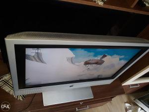 LCD TV LOEWE 32 INCA U EXTRA STANJU ZA 120KM