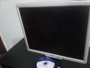 LCD monitor Acer sa Kablom CD