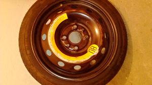 AUTO Rezervna guma s felgom