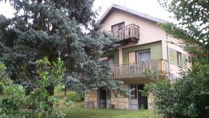 Kuća i zemlja na prodaju