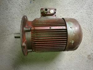 Elektro motor 5,5 kw 960 ok