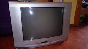 TV First Austrija sa daljinskim