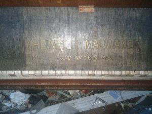Muzicka oprema Klavir