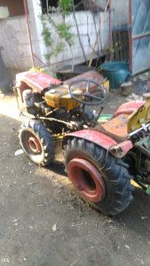 traktor  .