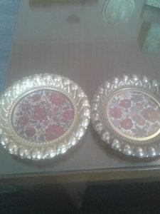 Dva stara ukrasna tanjirica