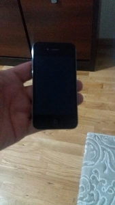 Apple iPhone 4g 8GB,extra ocuvan,otkljucan