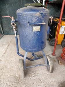mašina za pjeskarenje 200lit