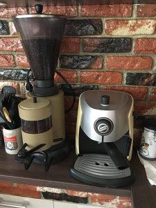 Aparat za kafu + mlin