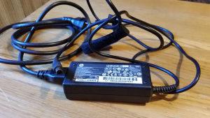 Punjac za laptop HP 18,5V 3,5A 65W sa iglicom