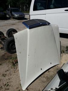 Hauba i maska Mercedes 124 bijela