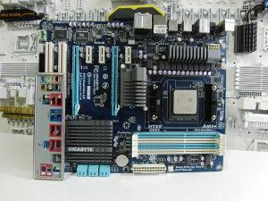 Gigabyte GA-970A-UD3 sa procesorom FX 6100 I AM3 plus