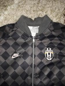 Dux- jaknica Juventus