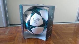 Fudbalska Adidas lopta ORIGINAL