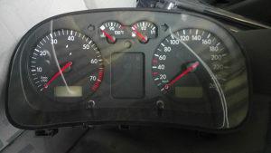 Kilometar sat Golf 4 benzin