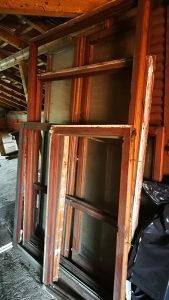 Prozore i vrata za balkon sa griljom od drveta i polovn
