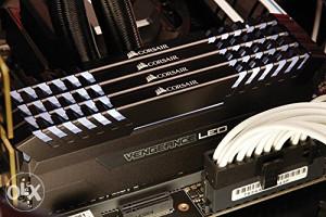 CORSAIR 16GB Vengeance LED DDR4 3000MHz CL16 White