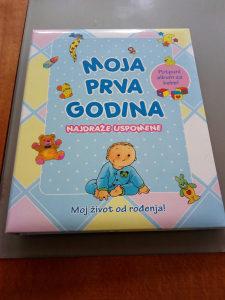 Knjiga album za bebe moja prva godina