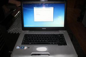 laptop TOSHIBA L450D