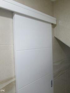 sobna vrata bijela drvena