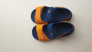 Adidas sandale br.25