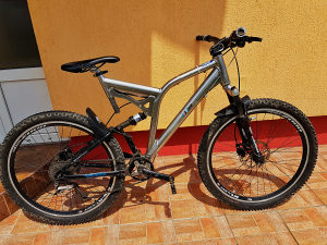 Biciklo mtb (enduro) downhill