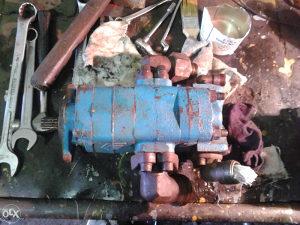 Hidraulicna pumpa za bager 061-751-242