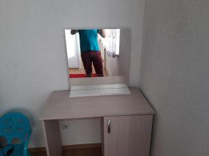 Sto sa ogledalom