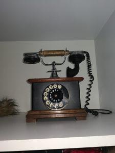 Telefon  starinski