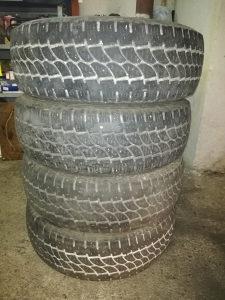 Komplet 4 Gume 215 70 R15 C