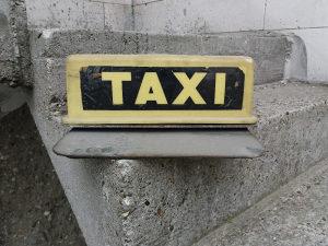 Taxi firma i magnet