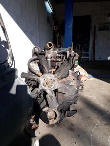 Traktorski motor