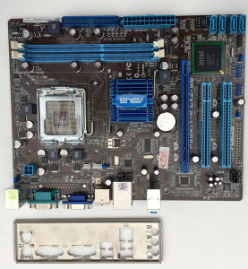 Matična ploča + procesor Q6600 i kuler AC7FPro