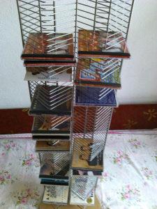 regal / polica / stalak za CD / DVD-ove