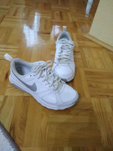 Patike Nike orginal kozne