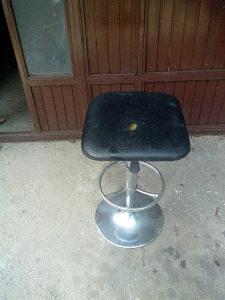 Prodajem stolicu