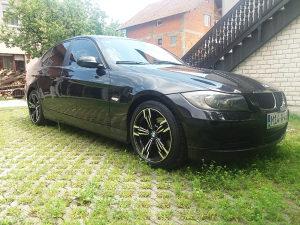 BMW 318 U TOP STANJU