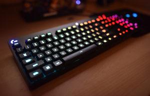 Logitech g810 mehanicka tastatura RGB