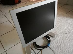 """Philips 17"""" monitor"""